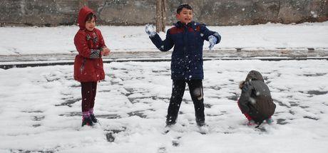 Son dakika! Günün ilk kar tatili haberi geldi