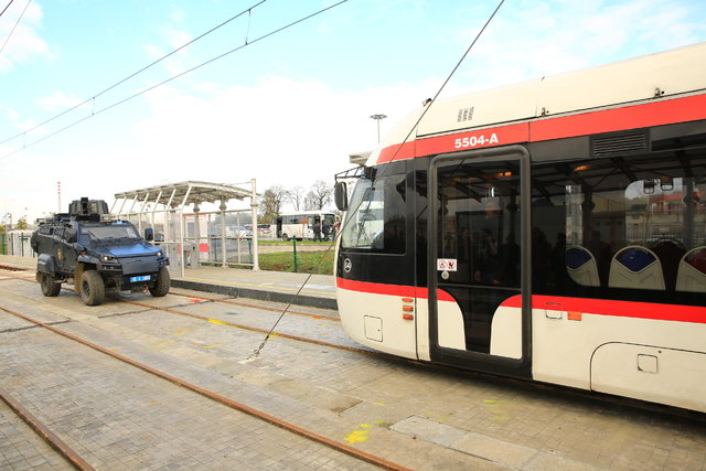 Samsun'da tramvayda rehine kurtarma tatbikatı