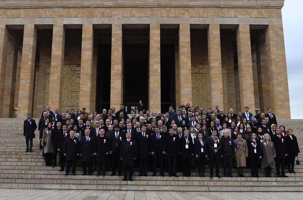 Bakan Yılmaz 81 ilden gelen öğretmenlerle Anıtkabir'de