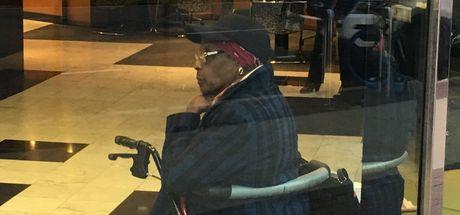 En yaşlı soyguncu: 86 yaşındaki kadın banka soyarken yakalandı!