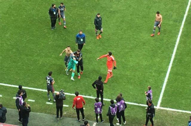 Manisaspor kalecisi Emrullah Beşiktaş maçı sonrası yıkıldı - Emrullah Şalk kimdir?