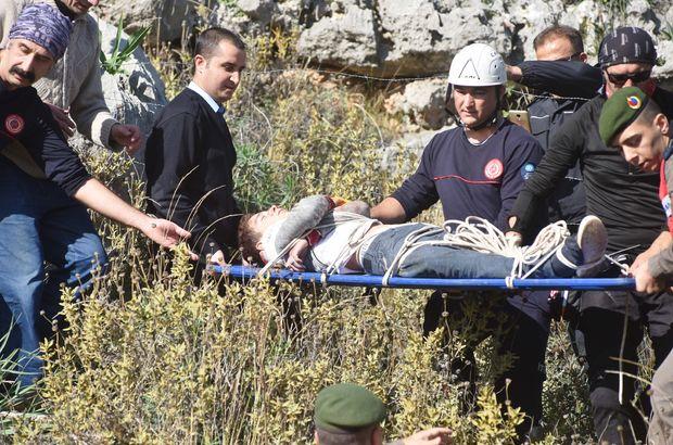 Antalya'da dağa tırmanan Rus 2 çocuk, kayalıklarda mahsur kaldı