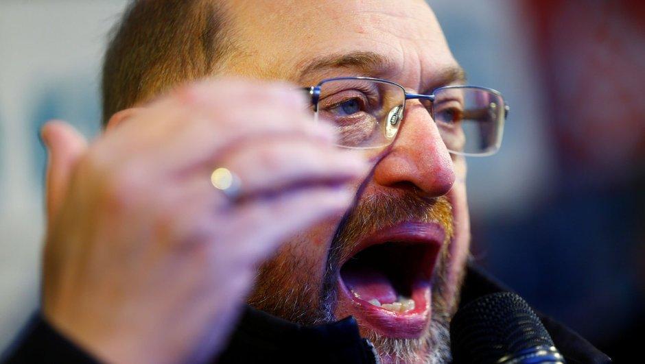 Almanya'da koalisyon krizi! Schulz tepki gösterdi!