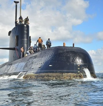 Arjantin, 44 kişilik mürettebatıyla Patagonya açıklarında batan ARA San Juan isimli denizaltı için yürütülen arama kurtarma çalışmalarını sonlandırdı