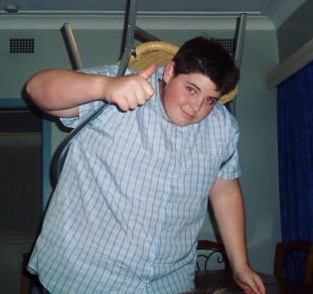Sam Rouen aşırı kilolarından kurtularak itfaiyeci oldu!