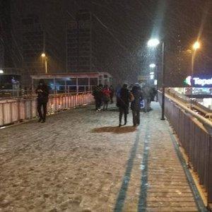 İSTANBUL'DA BEKLENEN KAR YAĞIŞI BAŞLADI