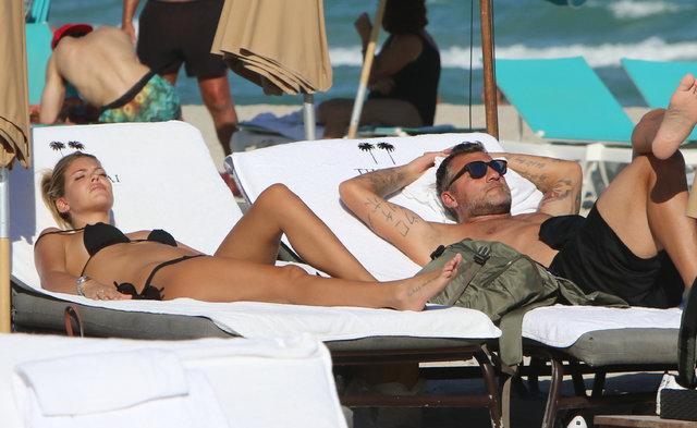Christian Vieri, Costanza Caracciolo ile Miami'de görüntülendi