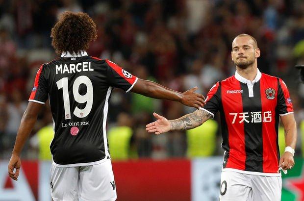 Sneijder dökülüyor