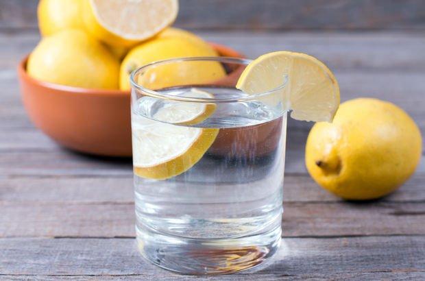 Nima uchun tongda limonli iliq suv ichish kerak?
