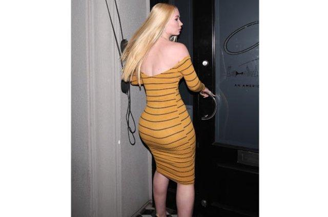 Iggy Azalea kalçasına implant mı yaptırdı?, Iggy Azalea'nın elbisesi olay oldu