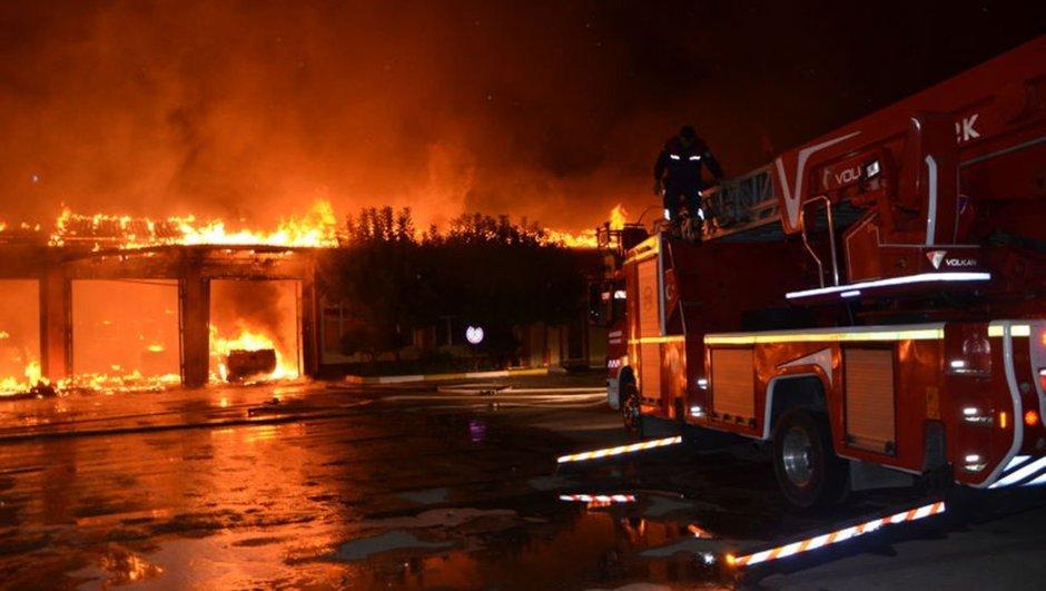 Adana Karayolları Şube Şefliği yangın