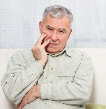 """Denizli Emniyet Müdürlüğü, üzerilerinde kimlik bulunmayan Alzheimer hastalarının parmak izinden kimlik tespiti için """"Bakmaya Değer Projesi"""" kapsamında çalışma başlattı"""