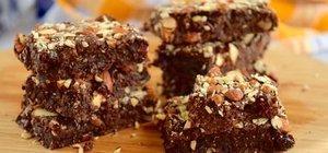 Hurmalı brownie nasıl yapılır? Hurmalı brownie tarifi ve malzemeleri