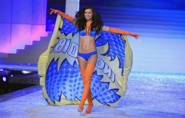 Victoria's Secret mankeni Adriana Lima isyan etti