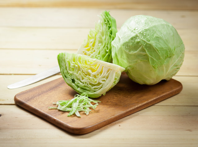 Beyaz lahanada A, C, K vitaminleri var! İşte beyaz lahananın faydaları!