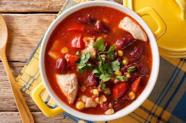 Meksika usulü tavuk çorbası