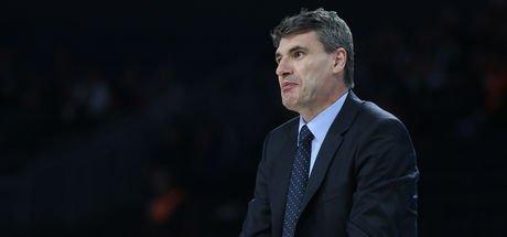 Anadolu Efes Başantrenörü Velimir Perasovic Baskonia maçı hakkında konuştu