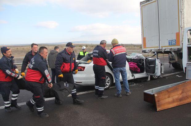 Otomobil 130 kilometre hızla tıra çarptı: 1 ölü, 1 yaralı
