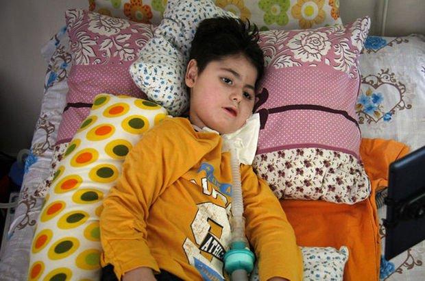 SMA hastası Muhammed'in ailesinin ilaç sevinci