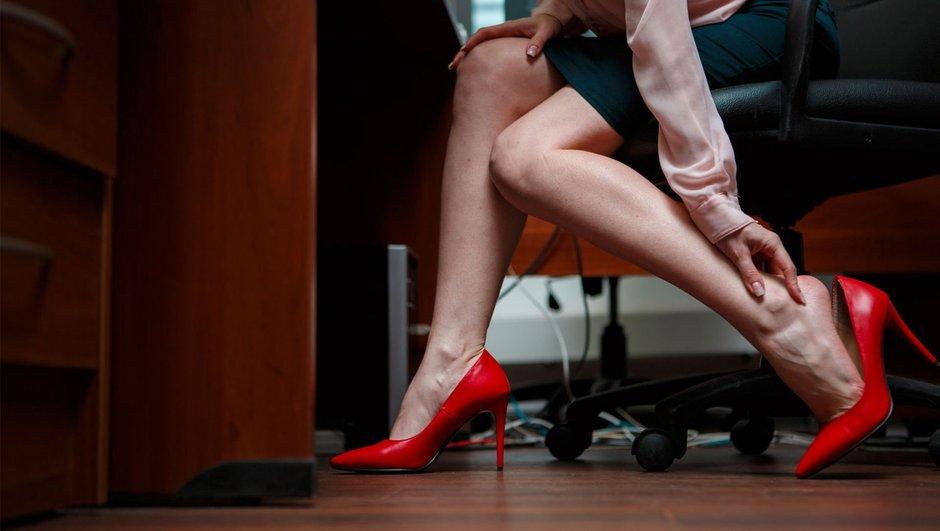 Zarif ama tehlikeli! İşte topuklu ayakkabının zararları