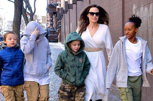 Angelina Jolie çocuklarıyla birlikte aile gezintisinde