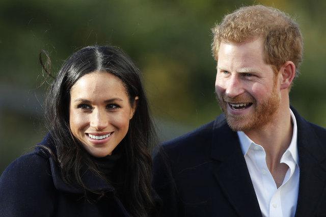 Prens Harry ve Meghan Markle'ın nişan fotoğrafları yayımlandı