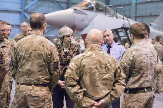 Theresa May'den İngiliz askerlerine DEAŞ tebriği: Gururlanmalısınız