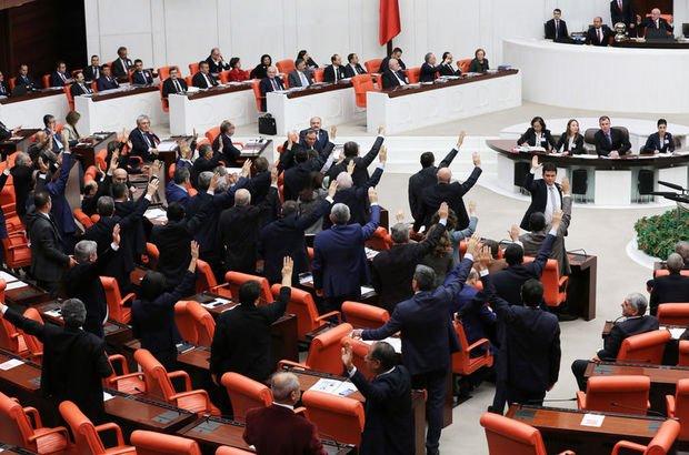Meclis'te tatil tartışması! 2 kez oylama yapıldı