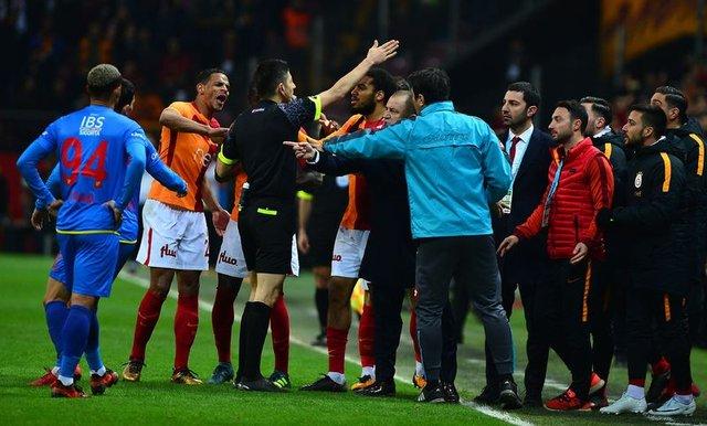 Bülent Yavuz, Galatasaray-Göztepe maçını değerlendirdi 7