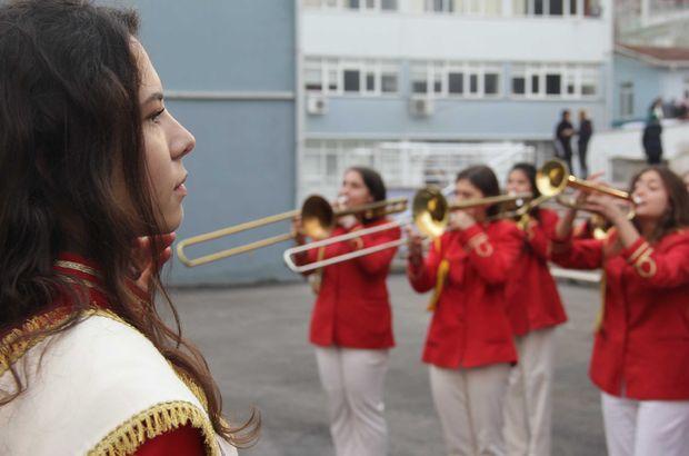 Bursa'da 57 yıllık kız bandosunda erkeklere yer yok