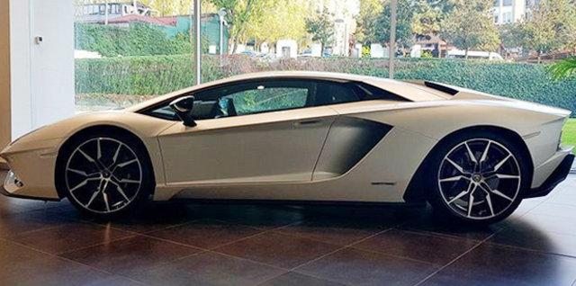 Kenan Sofuoğlu, Lamborghini Aventador S marka otomobil aldı