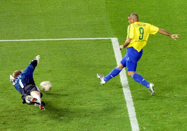 Neymar, Pique ile röportajında 2002 Dünya Kupası ve Türkiye'yi anlattı. Neymar, 2014'teki sakatlığıyla ilgili de konuştu