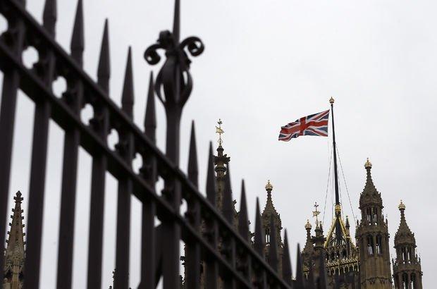İngiltere, İrlanda'ya 'Berlin Duvarı' önermiş!