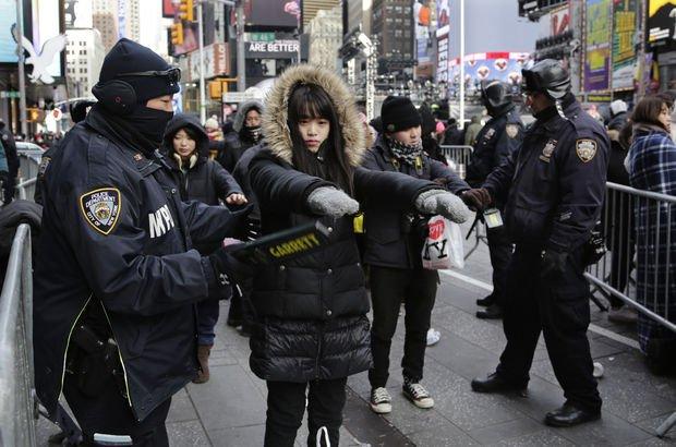 New York'ta yeni yıl için geniş çapta güvenlik önlemleri