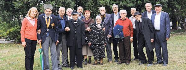 Türkiyede 100 yaş üzerinde 48 bin kişi yaşıyor 52
