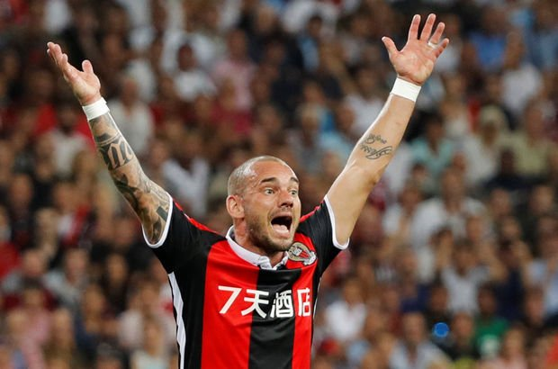 Sneijder'a büyük şok!