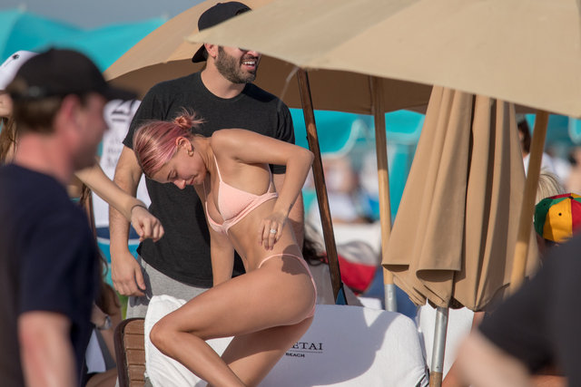 Hailey Baldwin Miami'de