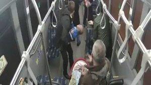 Günün kahramanı Kocaeli'den... Otobüs şoföründen alkışlanacak hareket