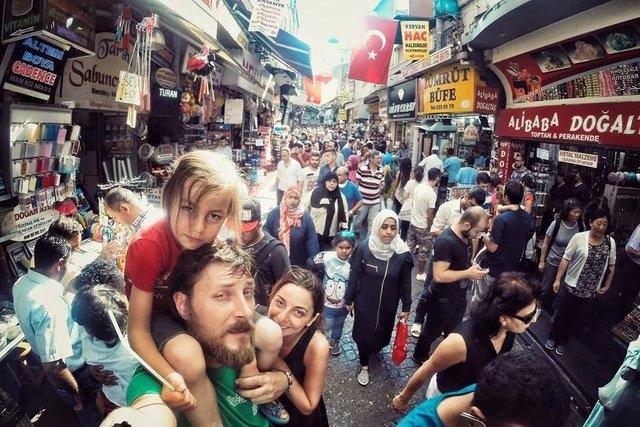 Mihai Barbu ve ailesi dünya turuna devam ediyor!