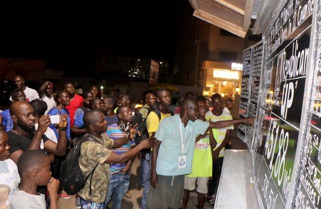 """Liberyalılar haberi 17 yıldır """"kara tahtadan"""" öğreniyor"""