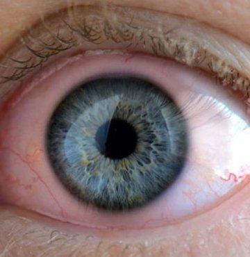 Göz enfeksiyonlarının sıklıkla karşılaşılan göz hastalıkları olduğunu belirten Göz Hastalıkları Uzmanı Op. Dr. Şeyda Atabay, göz iltihaplanmasına dikkat edilmesi gerektiğini söyledi. Göz iltihabı belirtileri nelerdir? Göz iltihaplanması nasıl geçer?