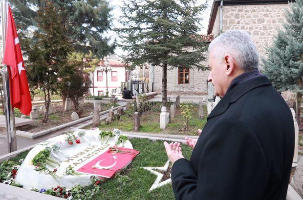 Başbakan Yıldırım, Muhsin Yazıcıoğlu'nun kabrini ziyaret etti