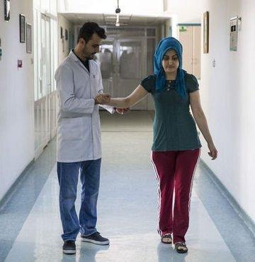 Multipl Skleroz (MS) hastası 25 yaşındaki Sabahat Ünalan, Alemtuzumab adlı tedavi yöntemiyle sağlığına kavuştu