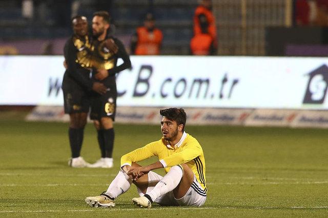 Fenerbahçe'de başarısız olan Türk futbolcular