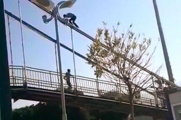"""Köprüde tehlikeli oyun! """"Videodan çıkma, sosyal medyadan yolla"""""""