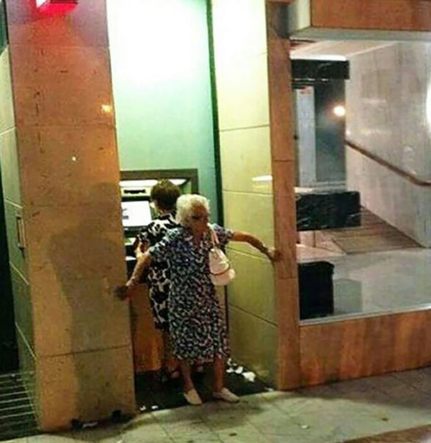 Büyükanne ve büyükbabaların ilginç davranışları