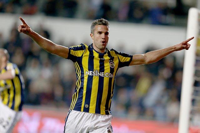 Fenerbahçeli Robin van Persie'nin takımdan ayrılmak için istediği rakam şoke etti! Fenerbahçe haberleri