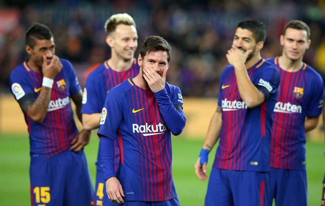 Başakşehir'e transferi gündemde olan Arda Turan'a Barcelonalı Messi ve takım arkadaşları tavır aldı, selam dahi vermiyor!