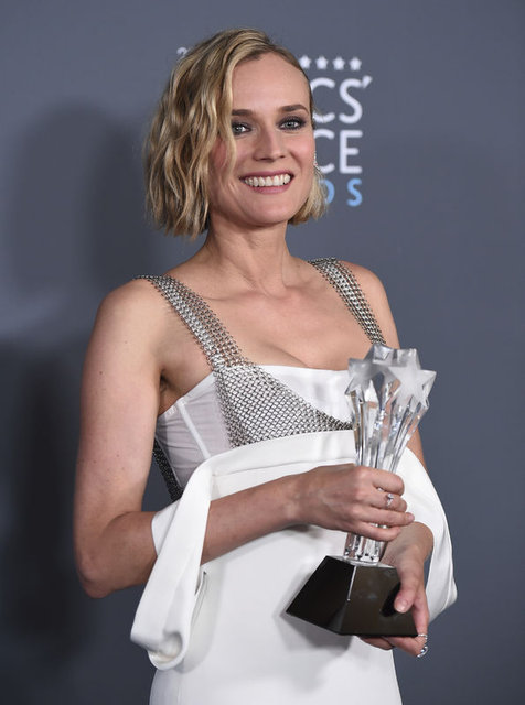 Critics' Choice Awards kırmızı halısı!