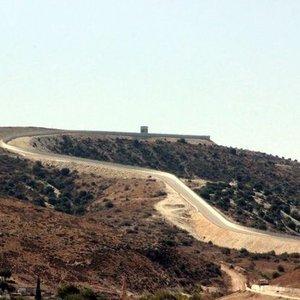 TSK, AFRİN'DEKİ YPG MEVZİLERİNİ VURUYOR